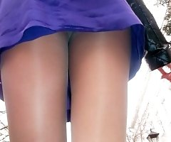 Man spying up girls short skirts